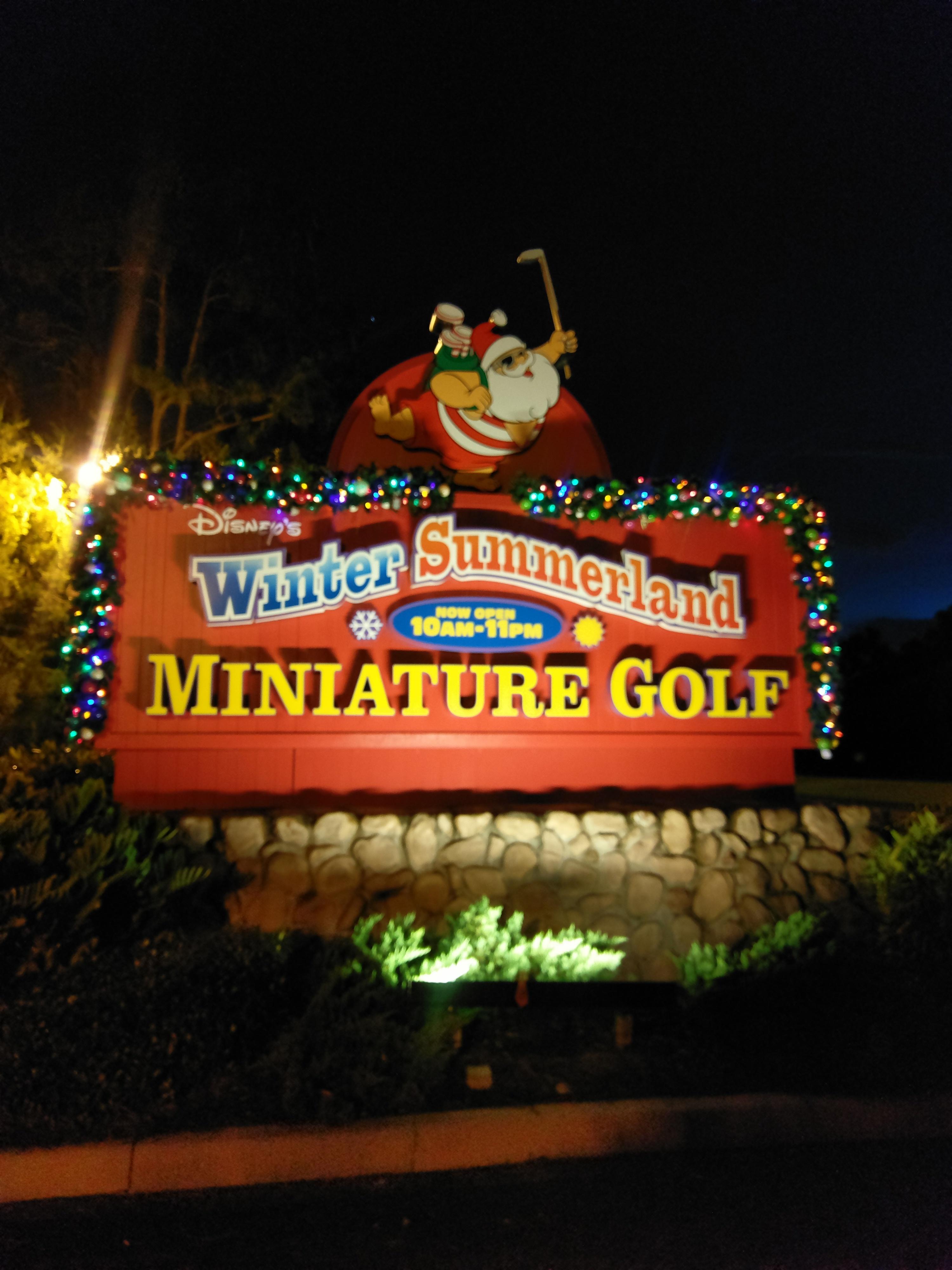 Disney's Winter Summerland miniature golf, Orlando